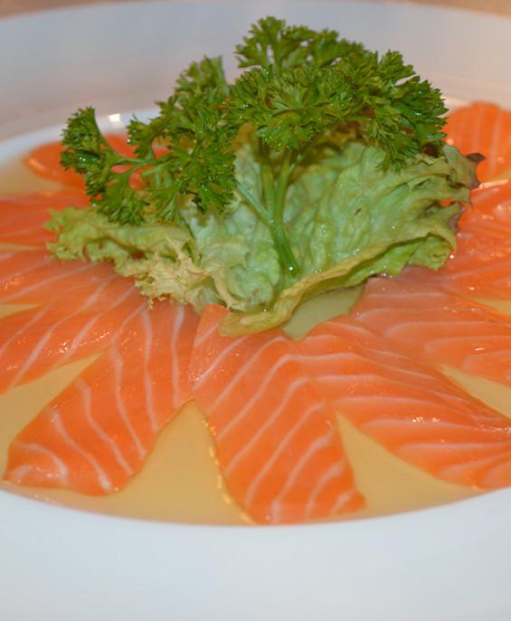 Carpaccio salmone mini   – Hari restaurant – Hari ristorante giapponese con cucina asiatica roma – Consegne a domicilio (TakeAwa