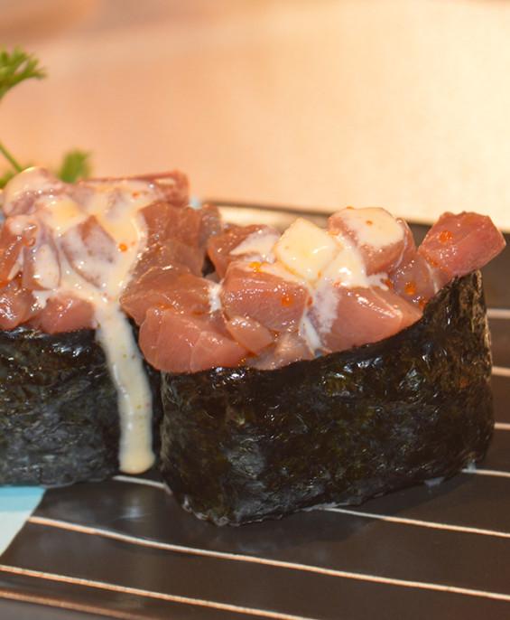 Spicy tuna gunkan mini   – Hari restaurant – Hari ristorante giapponese con cucina asiatica roma – Consegne a domicilio (TakeAwa