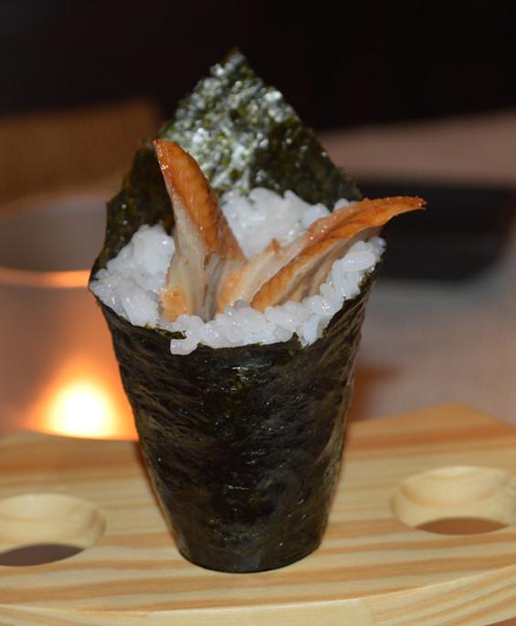 Temaki anguilla mini   – Hari restaurant – Hari ristorante giapponese con cucina asiatica roma – Consegne a domicilio (TakeAway)