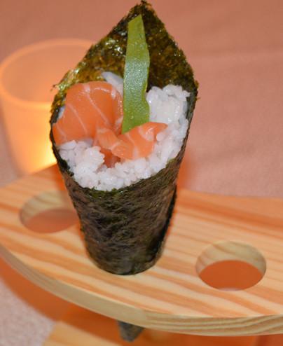 Temaki salmone mini - Hari restaurant - Hari ristorante giapponese con cucina asiatica roma - Consegne a domicilio (TakeAway) -