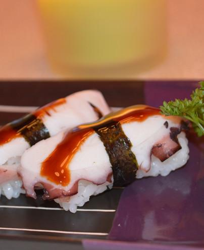 Nigiri polipo - Hari restaurant - Hari ristorante giapponese con cucina asiatica roma - Consegne a domicilio (TakeAway) - Pren