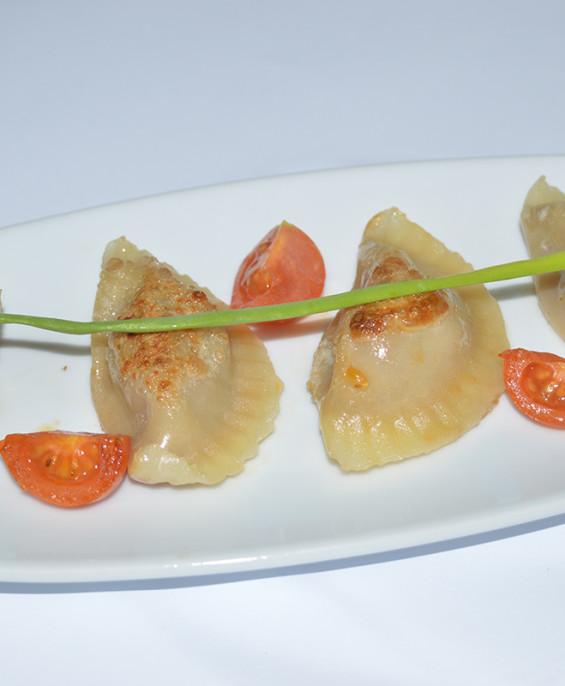 Ravioli di suino alla piastra mini – Hari restaurant – Hari ristorante giapponese con cucina asiatica roma – Consegne a domicili