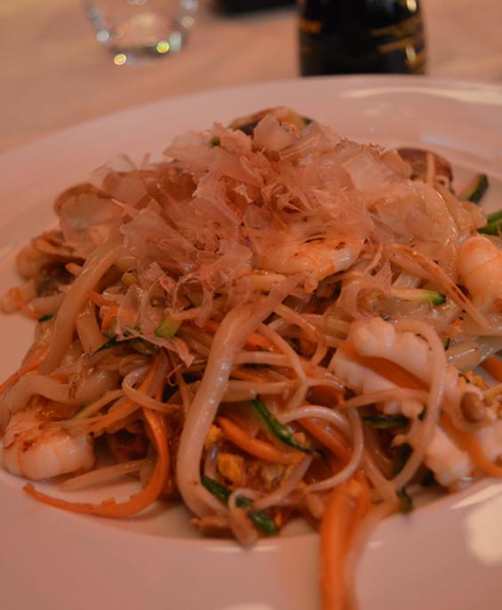 Spaghetti uton ai frutti di mare  – Hari restaurant – Hari ristorante giapponese con cucina asiatica roma – Consegne a domicilio (TakeAway) – Prenotazione